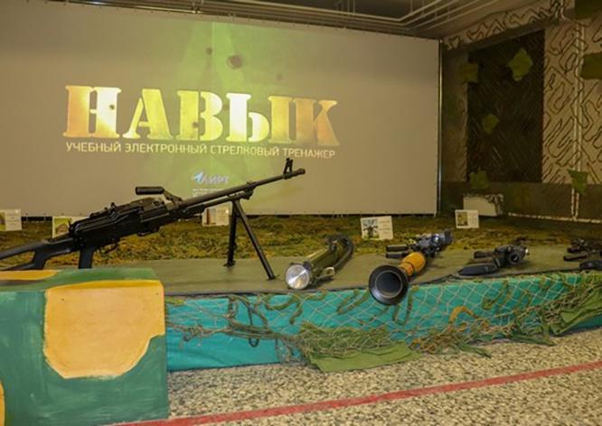 В отдельной арктической мотострелковой бригаде Северного флота введён в эксплуатацию новый стрелковый тренажёр «Навык».