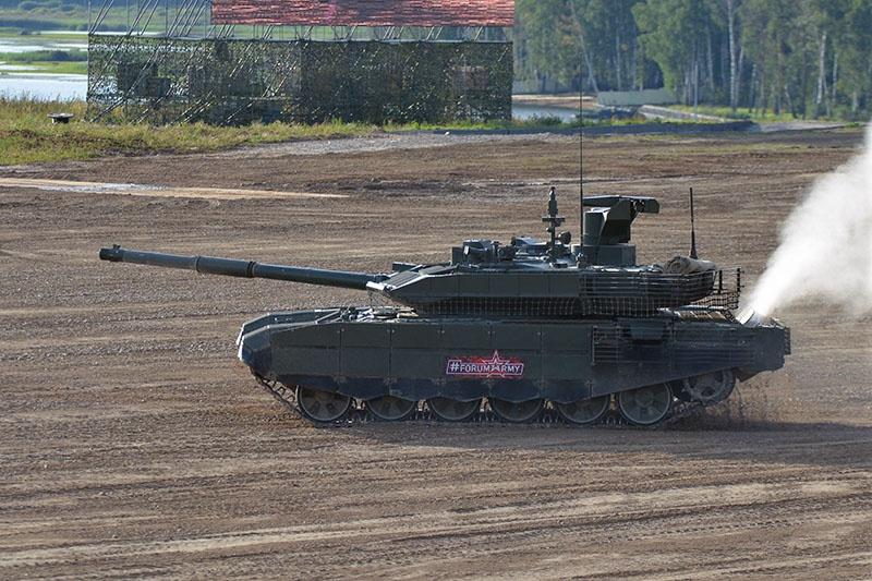 Т-90М принимает участие в динамическом показе на полигоне «Алабино».