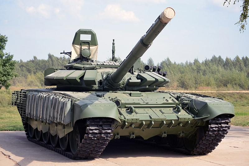 На статических площадках МВТФ «Армия» 2017-2018 гг. выставлялся T-72Б3 с КДЗ.