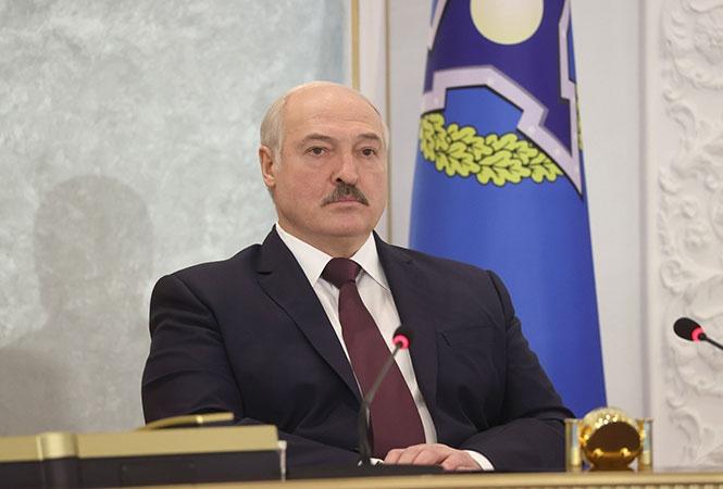 Президент Белоруссии Александр Лукашенко на саммите лидеров стран ОДКБ 2 декабря заявил, что в НАТО создаётся военная группировка для захвата западных белорусских земель.