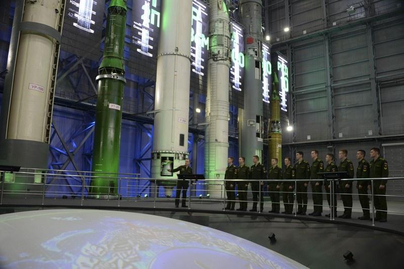 Макеты баллистических ракет в музее академии РВСН.