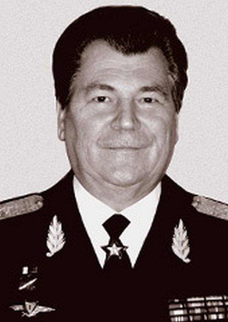 Маршал авиации Евгений Иванович Шапошников.