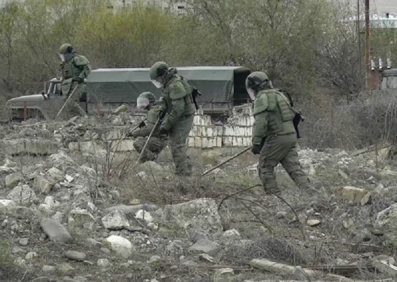 Сапёры провели инженерную разведку и разминирование местности вокруг опор линий электропередач вдоль дороги Шуша – Лысогорский.