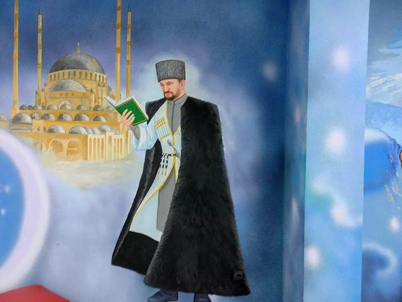 В детском центре после замечания Кадырова убрали изображения супергероев.