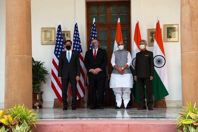 Американо-индийская встреча науровне министров иностранных дел иобороны вформате «два плюс два», которая прошла в Дели 27 октября 2020.
