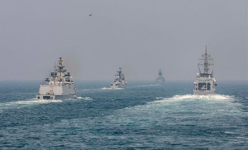 Корабли ВМС Индии, ВМС Австралии и Японии на учениях «Малабар-2020».