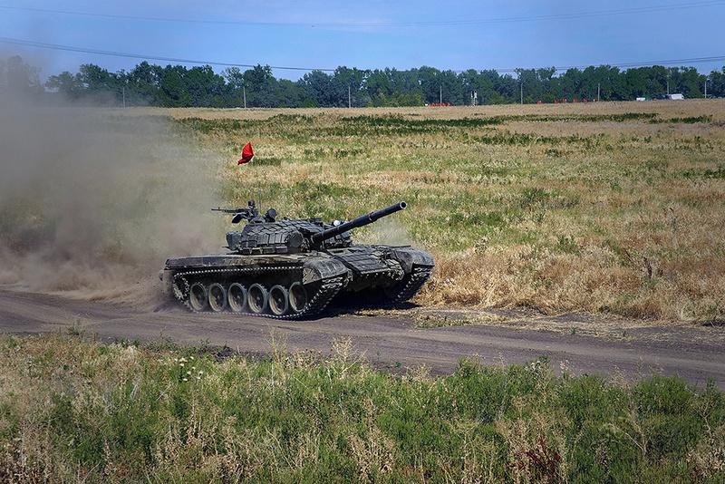 Состязания воинских подразделений Народных милиций Донецкой и Луганской Республик «Донецкий натиск».