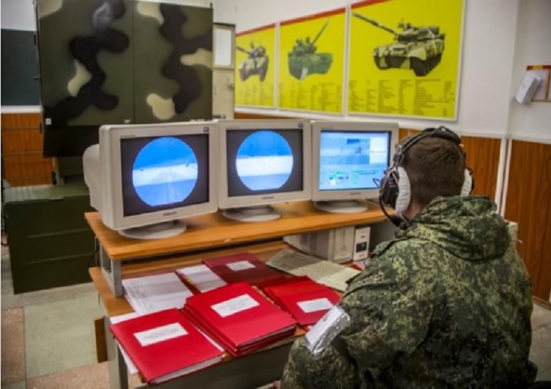 На новейших тренажёрах провели первый «бой» и молодые солдаты гвардейской Кантемировской танковой дивизии гвардейской танковой Краснознамённой армии Западного военного округа.