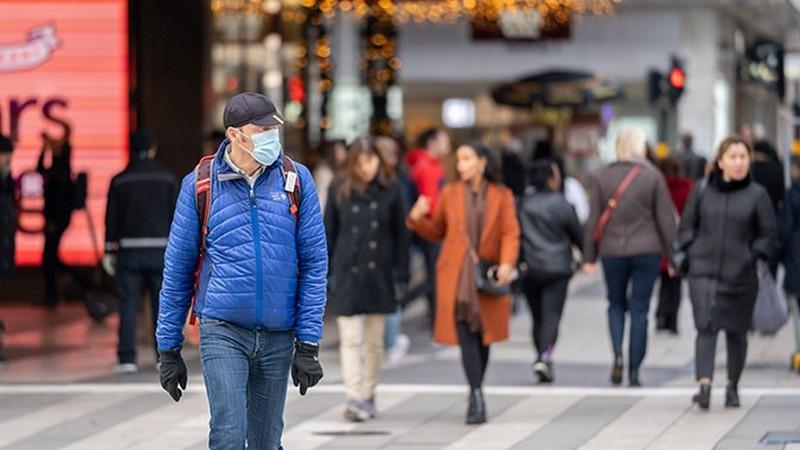В Швеции число погибших от коронавируса по данным Агентства общественного здравоохранения на сегодняшний день составило 722.2 на миллион жителей.