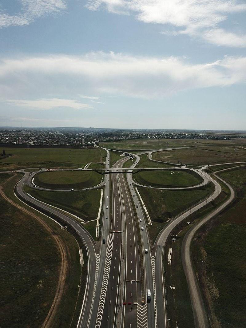 Трасса «Таврида» - главная транспортная артерия Крыма протяжённостью 250,7 км.