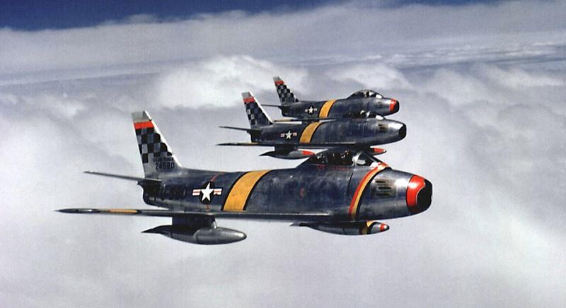 Истребители F-86 в небе Кореи. 1953 год.