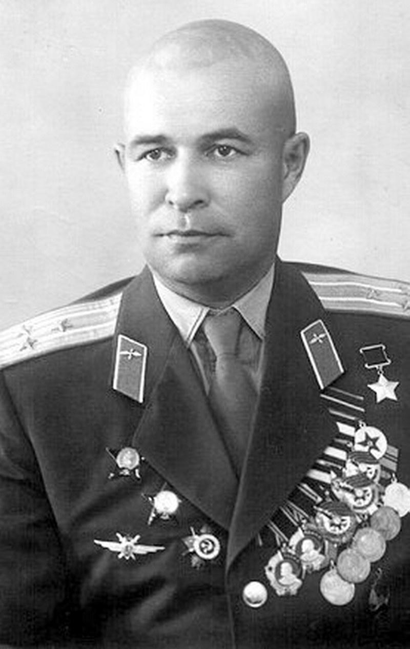 И всё-таки «Сейбр» был захвачен - это сделал 6 октября 1951 года командир 196-го истребительного авиаполка полковник Евгений Пепеляев.