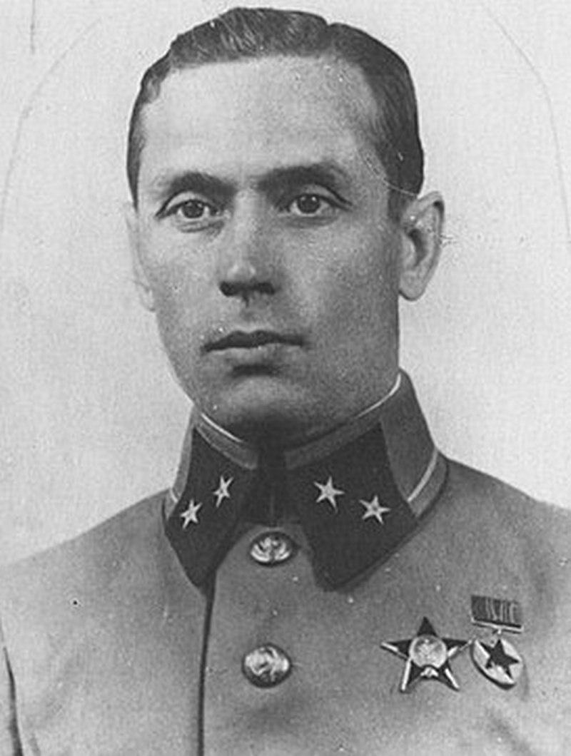 Военный атташе в Югославии генерал-майор Александр Самохин (оперативный псевдоним «Софокл») сообщил: «Германский генштаб отказался от атаки на английские острова, ближайшей задачей поставлено - захват Украины и Баку».