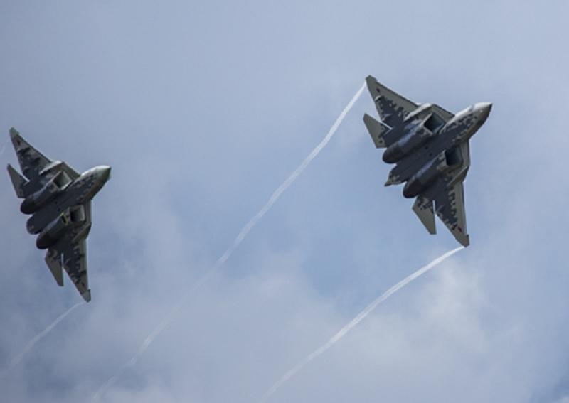 Многоцелевой ударный истребитель Су-57, предназначенный для достижения господства в воздухе.