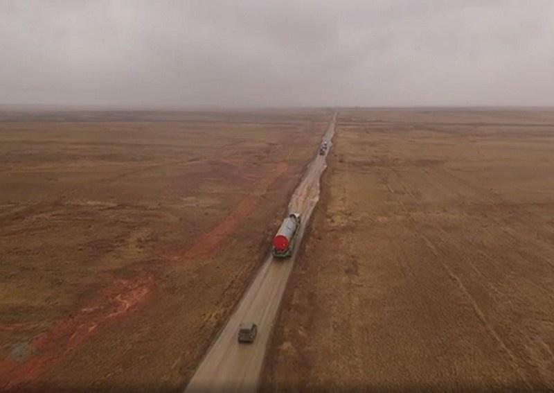 Очередную МБР ракетного комплекса «Авангард» загрузили в шахтную пусковую установку.