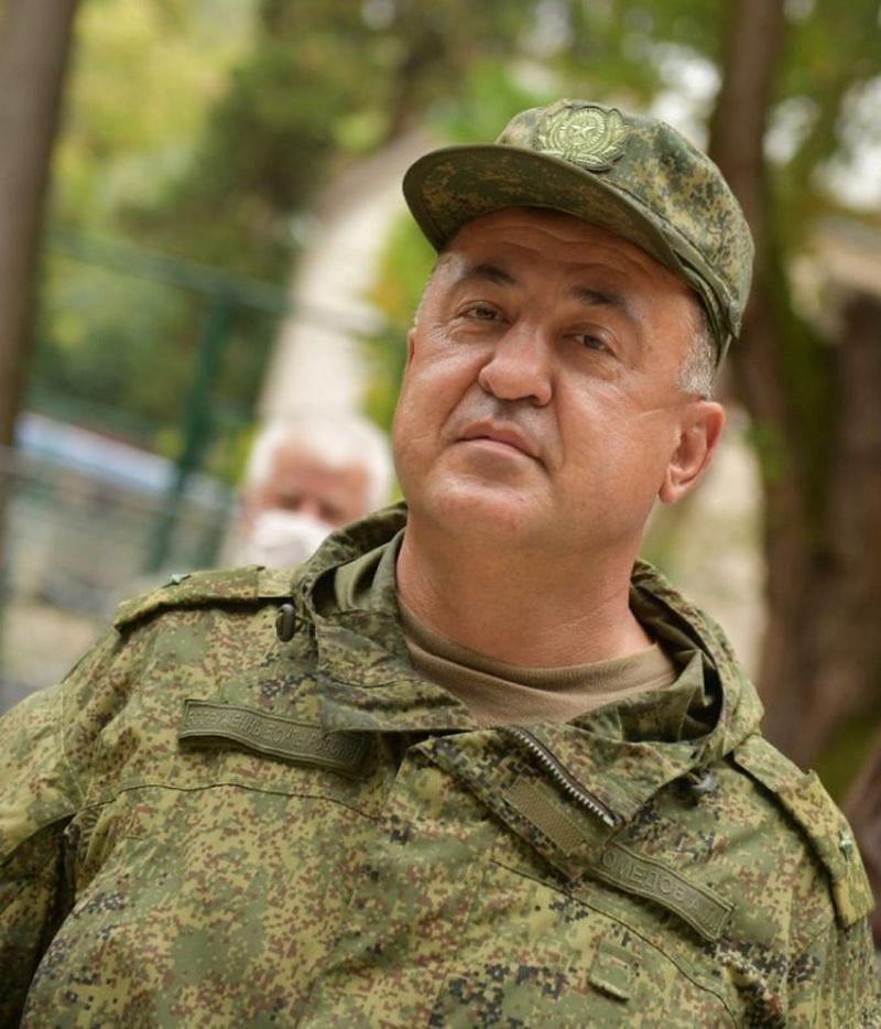 Начальник госпиталя майор медицинской службы Абдулмеджид Магомедов.