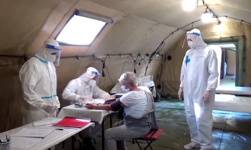 Первых пациентов мобильный госпиталь Министерства обороны России в Абхазии принял 20 октября.