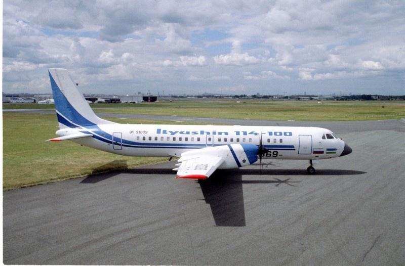 Ил-114-100 - пассажирский самолёт на 60 мест с двигателями Pratt & Whitney 127H.