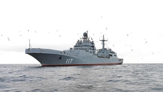 На надводном флоте прошёл ходовые испытания серийный БДК нового поколения проекта 11711 «Пётр Моргунов».
