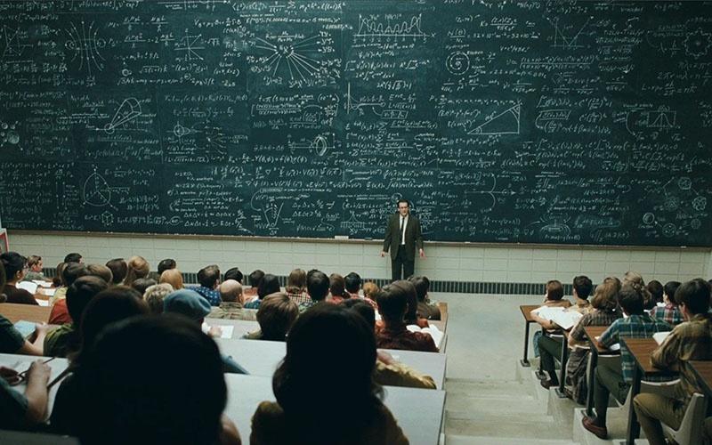 Одна из целей российских либералов, искусственно усложняя школьную программу, сделать физически невозможным процесс полноценного усвоения учебного материала.