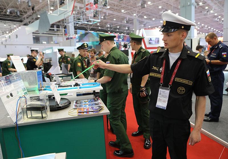 Армия, с учётом всё возрастающей новизны и сложности вооружений, нуждается в ответственных, грамотных, инициативных и патриотично настроенных кадрах.