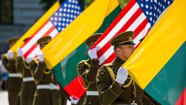 Литовская независимость: уходя, гасите свет