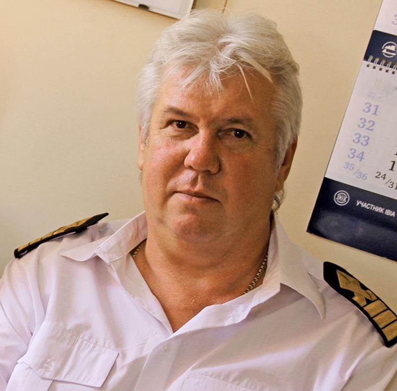 Капитан спасательного буксирного судна Александр Орлов.