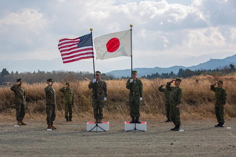 Между США и Японией подписан договор безопасности о военном союзе и сотрудничестве.