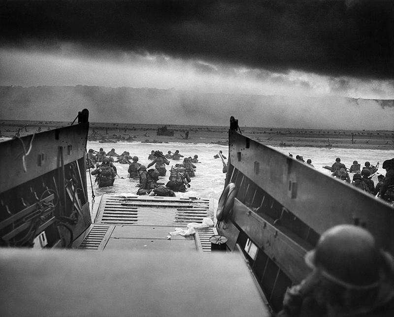 6 июня 1944 года союзные войска высадились на побережье Нормандии и могли бы обратно «всаживаться», если бы не помощь Советской армии.