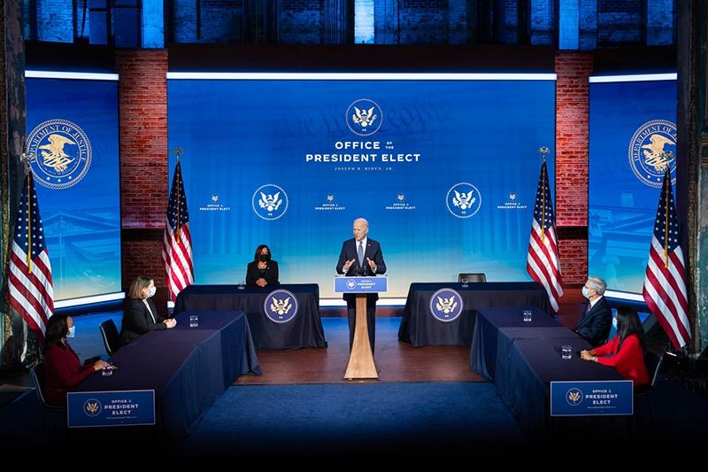 Президент Байден набирает очень сильную команду специалистов, которые занимались проблемами безопасности десятилетиями - и при Бараке Обаме, и при Билле Клинтоне.