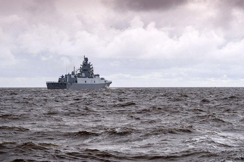 В Бискайском заливе экипаж фрегата «Адмирал флота Касатонов» отработал задачи тренировки по поиску и уничтожению подводных лодок условного противника.