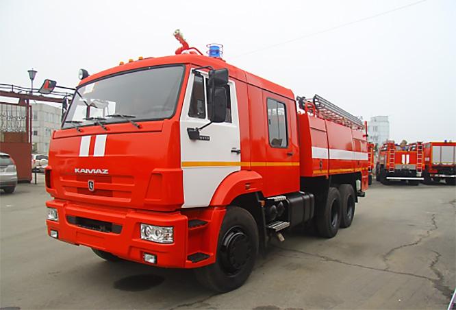 В соединения и в воинские части ЦВО поступили 12 автоцистерн на базе автомобиля КамАЗ.