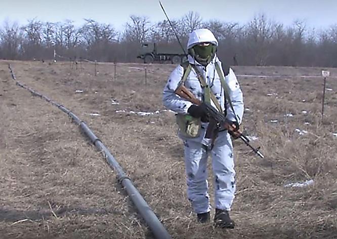 На прошедших в Ставропольском крае учениях нормативы по развёртыванию полевого магистрального трубопровода пришлось выполнять в условиях, приближённых к реальным боевым.
