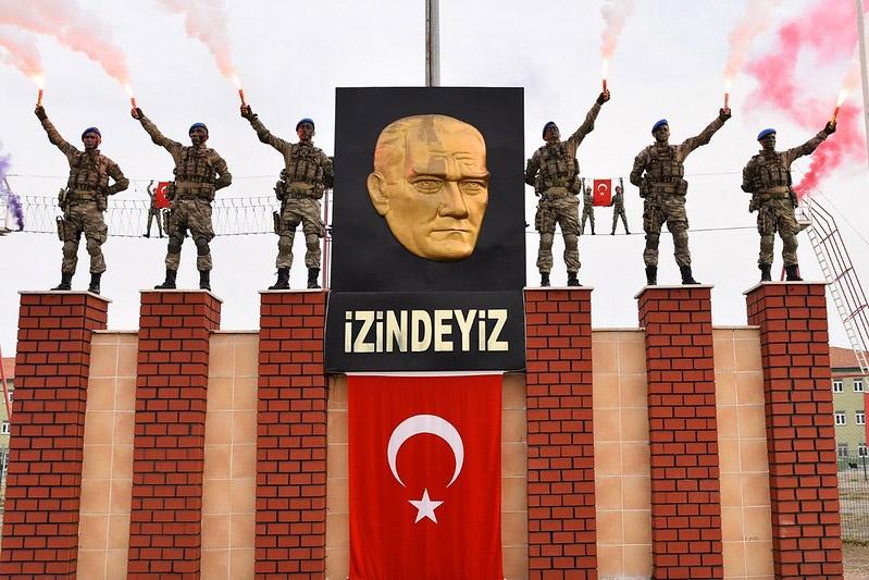 На третьем месте «геополитические хулиганы» с их духовным лидером Турцией, для которых неизбежность и целесообразность переформатирования мира военной силой стали отправной точкой.