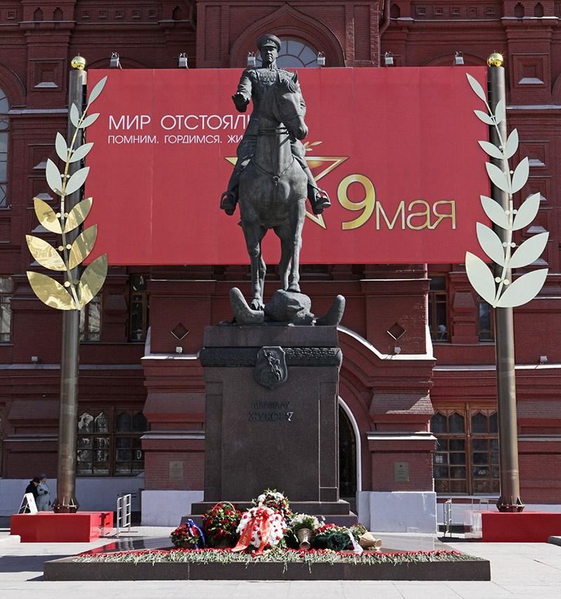 Жуков - символ Победы, развенчать его «культ» - умалить значение Победы.