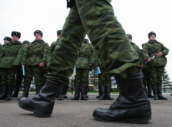 Так что в 1998 году, после окончания юридический факультетаРУДН Алёша Навальный должен был приступить к исполнению своих гражданских обязанностей, связанных с военной службой по призыву.