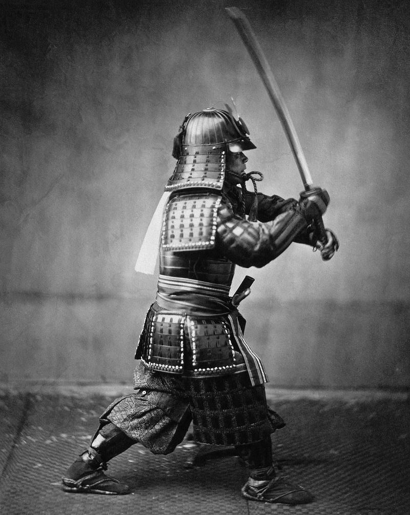 Отправляясь на войну, самурай давал три обета: забыть дом, семью и пренебречь своей жизнью.