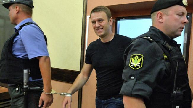 «Борщевик»-Навальный должен сидеть в тюрьме