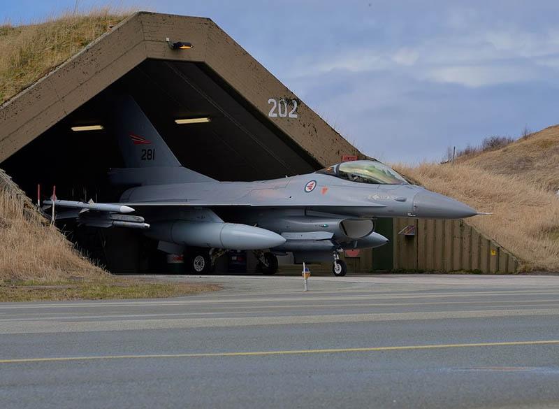 Норвежские власти согласятся предоставить в распоряжение ВМС США аэродром в Эвенесе, как они это делают в последние годы в отношении других объектов на территории страны.