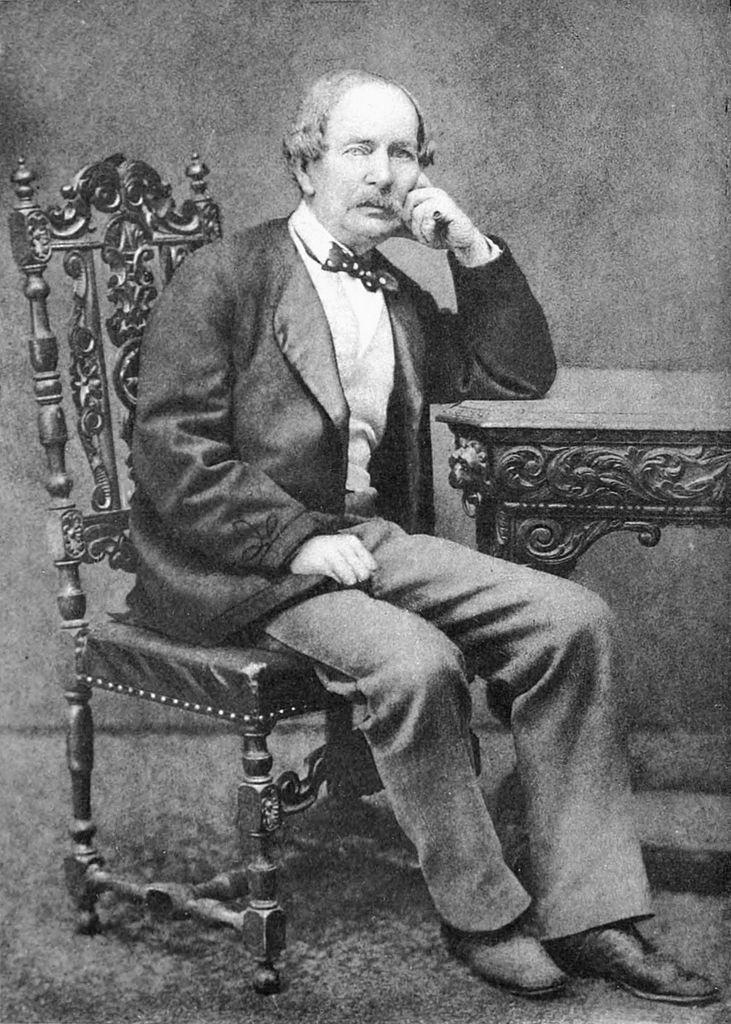 Британский дипломат Дэвид Уркварт по согласованию с английским правительством приготовил антирусскую провокацию, но в результате сам стал козлом отпущения.