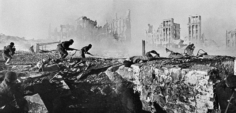 Бой в Сталинграде.