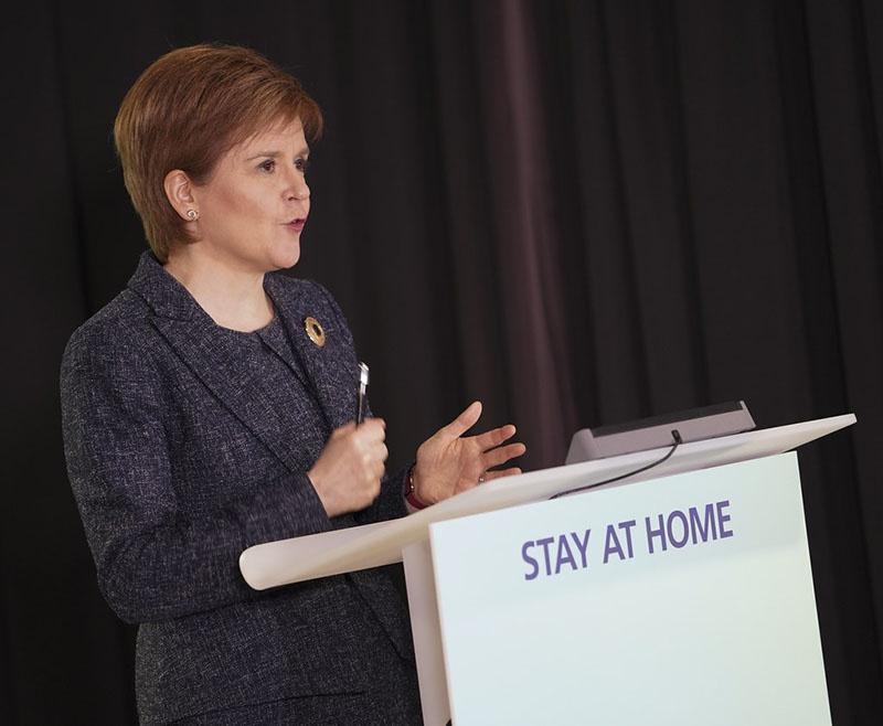 Первый министр Шотландии Никола Стерджен даже не скрывает, что Шотландия намерена провести второй референдум о независимости от Лондона, поскольку стремится остаться в Евросоюзе.