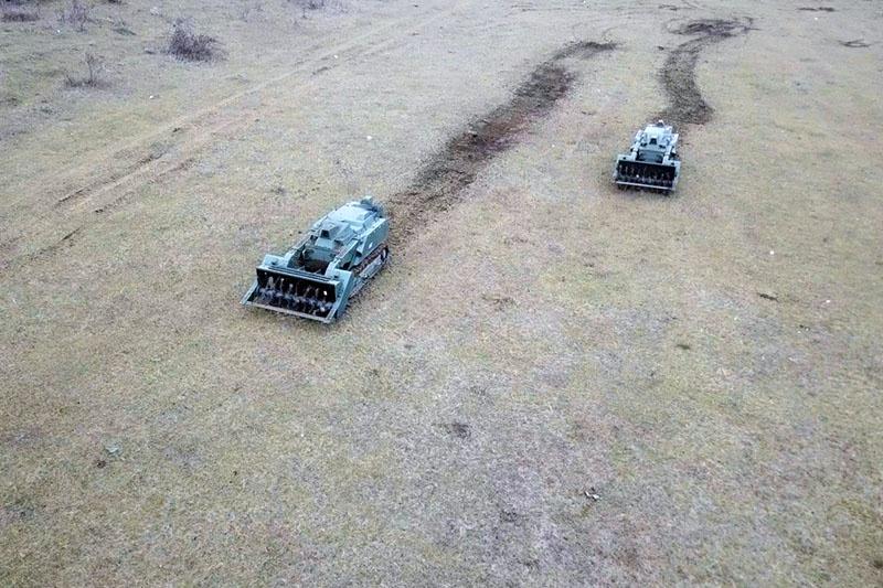 Специалисты российского контингента миротворческих сил занимаются разминированием территории Нагорного Карабаха.