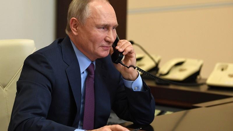 Если верить кремлёвскому пресс-секретарю Дмитрию Пескову, телефонный разговор Байдена и Путина, в ходе которого были расставлены последние акценты, необходимые для продления Договора СНВ-3, был откровенным и деловым.