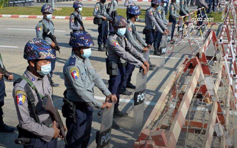 Произошедшее в Мьянме называют государственным или даже военным переворотом.
