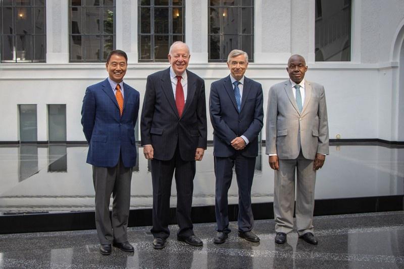 После ухода Роберто Азеведо с поста Генерального директора 31 августа 2020 года все четыре заместителя Генерального директора продолжают выполнение своих обязанностей.