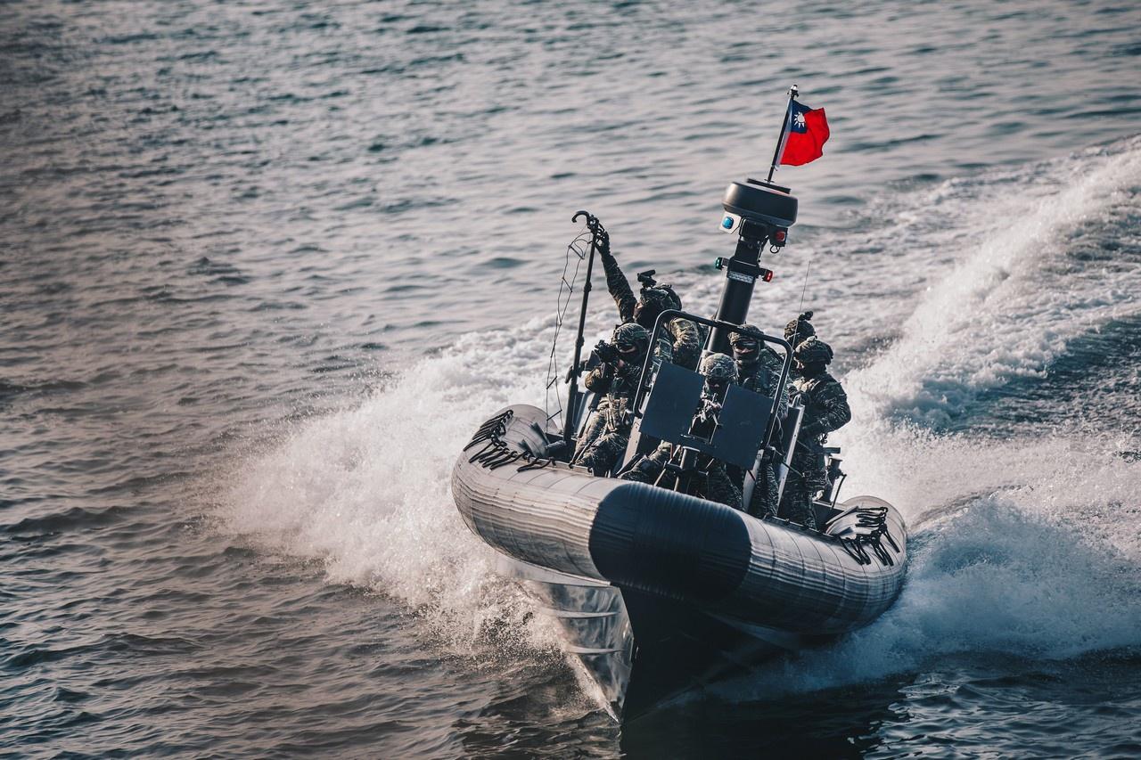 В последние годы ВМС Тайваня, избрав асимметричную концепцию противодействия китайской угрозе, полностью обновили и свои «москитные» силы.