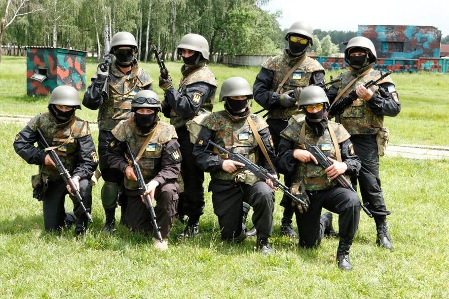 Бойцы «Донбасса» на полигоне Национальной гвардии под Киевом.