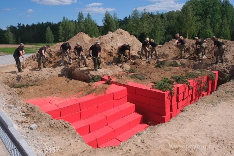 В деревне Жестяная Горка Новгородской области были обнаружены останки местный жителей, которых в 1942-1943 годах уничтожили немцы.