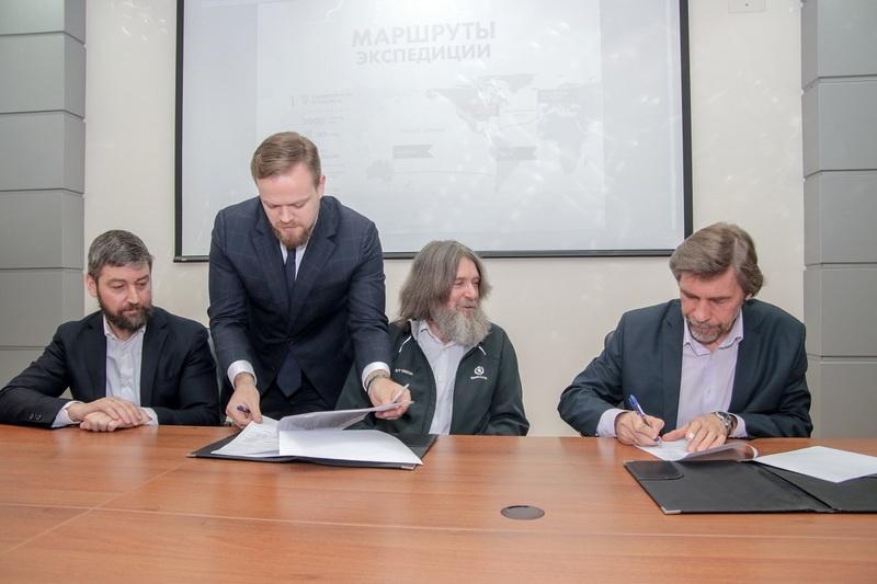 В марте прошлого года Ф. Конюхов подписал Меморандум о сотрудничестве с Институтом океанологии РАН.
